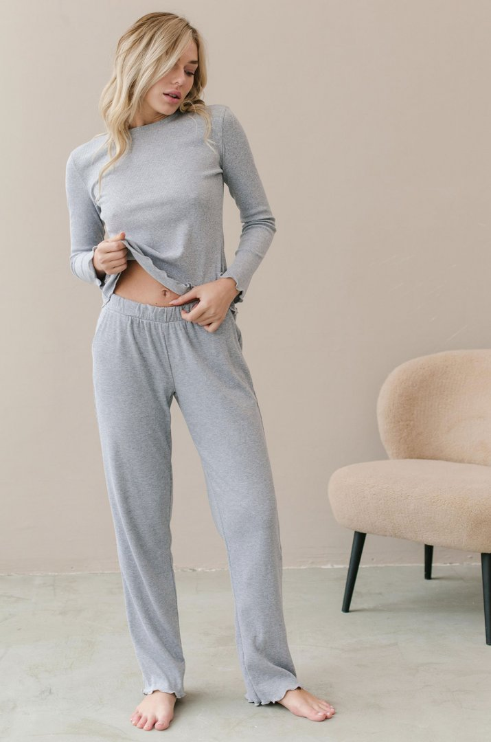 Pants color gray